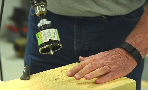 How to drill a hole in wood