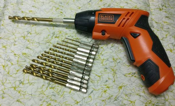 how to change drill bit black and decker models