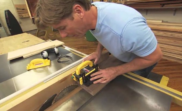 How to Cut a 60 Degree Bevel on a Table Saw